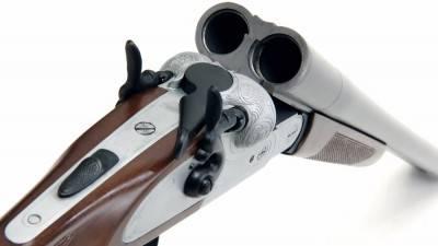 Старое двуствольное ружье