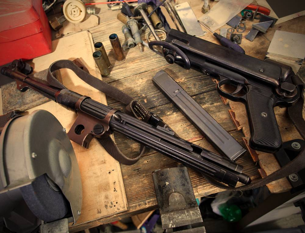 disassembled submachine gun MP-38