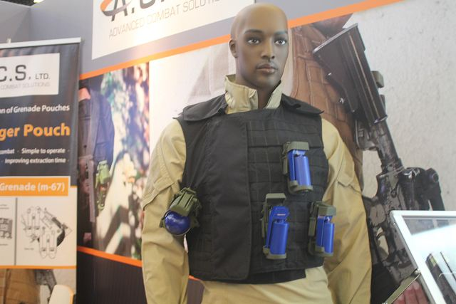 Innovative_pouch_for_hand_grenades_developed_by_the_Israeli_Company_ACS_Milipol_2015_640_001