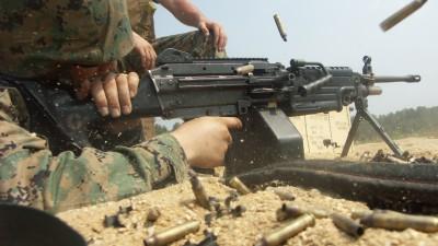 Marine_M249_Fire