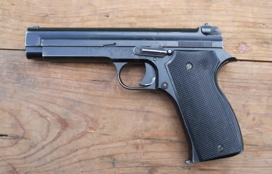 SIG P210